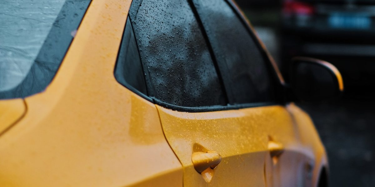 Car Window Tint Installation – 5 Reasons to Hire a Pro